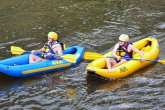 Inflatable-boat-rental
